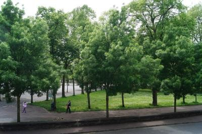 vue des chambres de l'hôtel de Verdun côté rue de Lourdes à Nevers